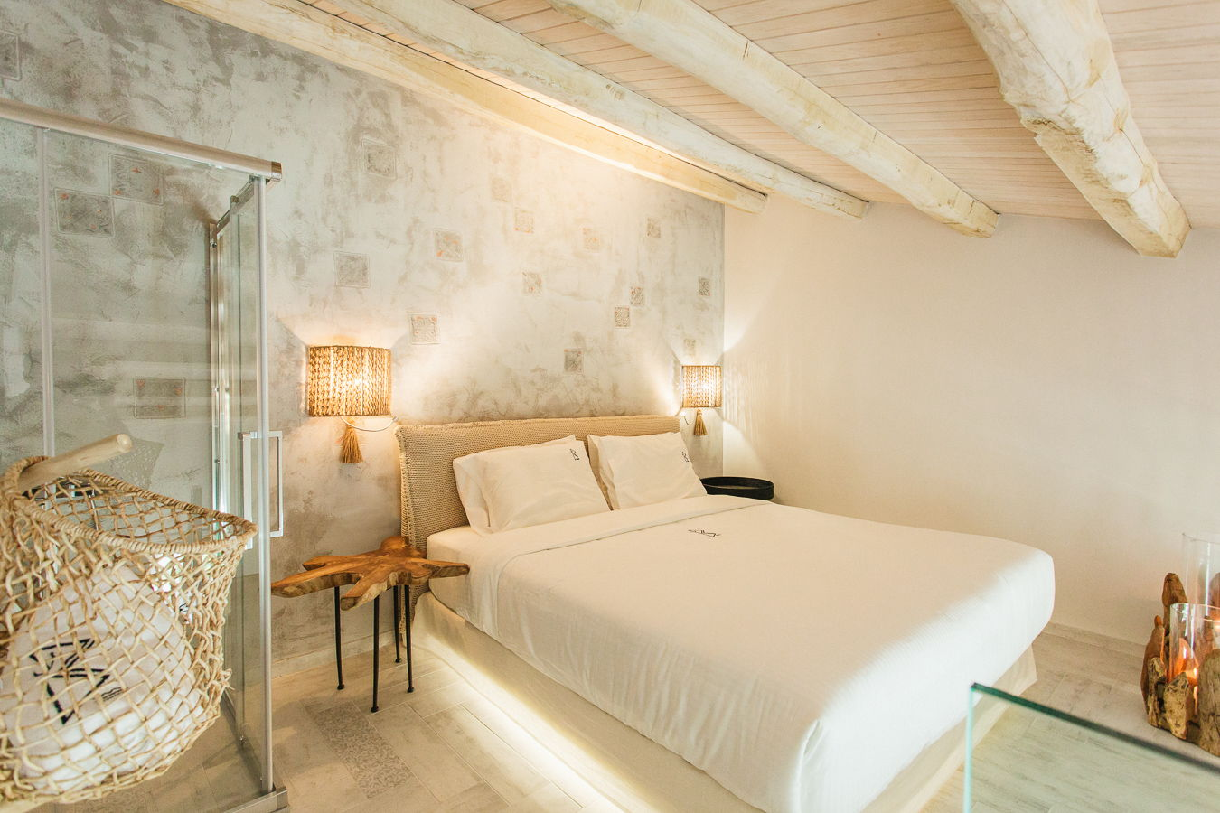 2 Level Suite Sea View Blue Carpet Luxury Suites